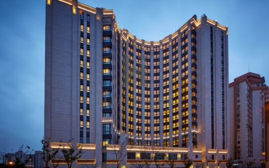 Aroma Garden Serviced Suites by Lanson Place is anchored in one of Shanghai's most prominent business districts