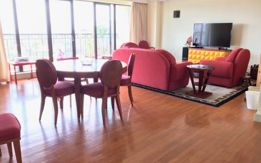 Bright 2BR Apartment w/Wall Heating in Hengshan 41 HAO Realty Shanghai HAOEC011393