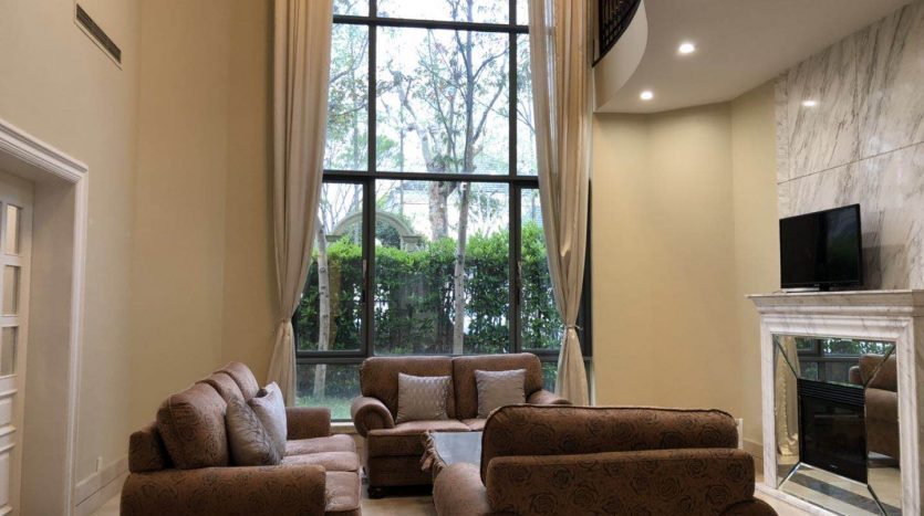 Spacious 5BR Villa w/Wall Heating in Green City HAO Realty Shanghai HAOSW011326